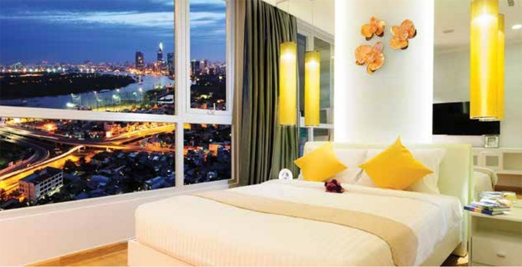 Phòng ngủ view sông của căn hộ mẫu Vinhomes Central Park